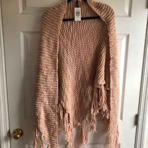 Pale pink one size torrid shawl with knit tassels